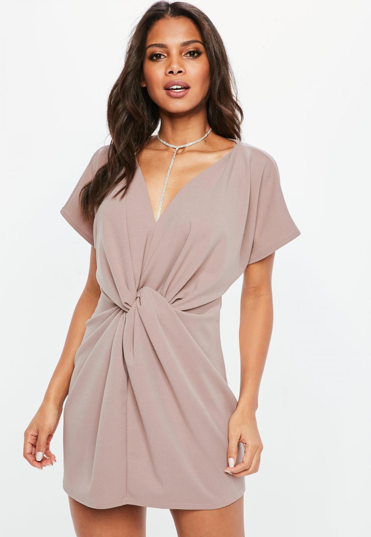 Tentang Model Dress, Yuk Pahami Berikut Ini