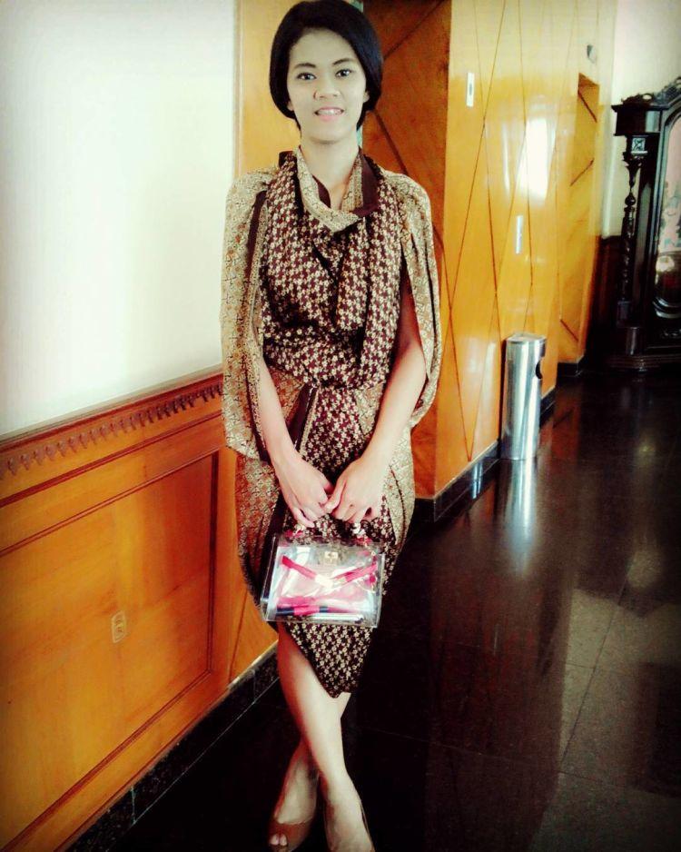 Dress Batik yang Sangat Nyaman dan Kekinian